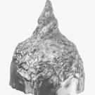Il cappello di carta stagnola tre punto zero.